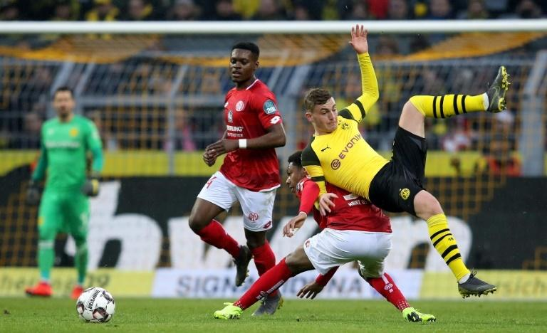 Borussia Dortmund's narrow win over Mainz was no cause for celebration for goalkeeper Roman Buerki