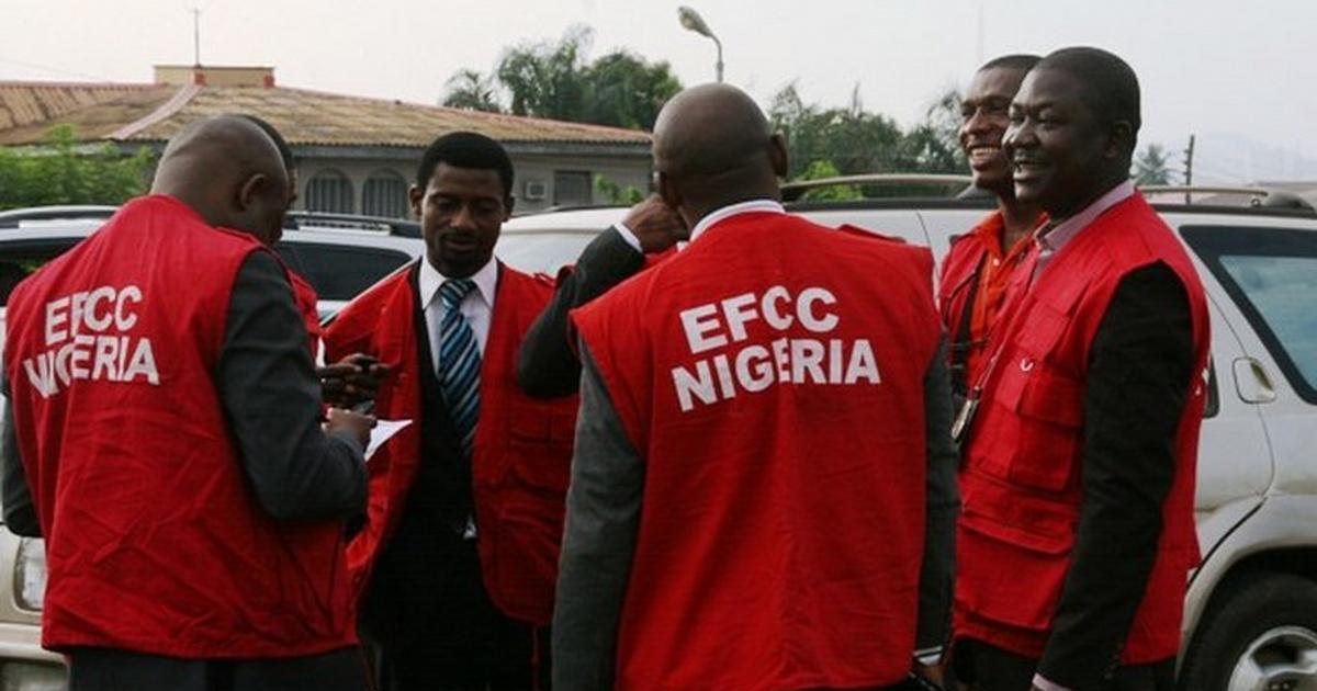 EFCC arrests 27 suspected internet fraudsters in Enugu - Pulse Nigeria