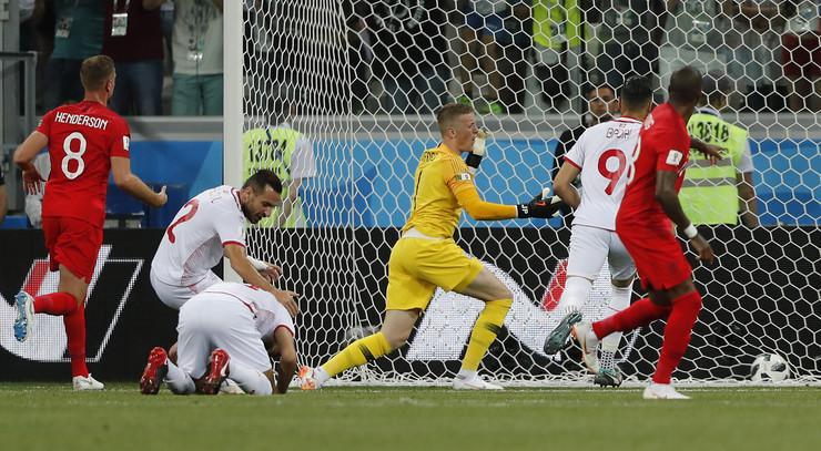 Fudbalska reprezentacija Engleske, Fudbalska reprezentacija Tunisa