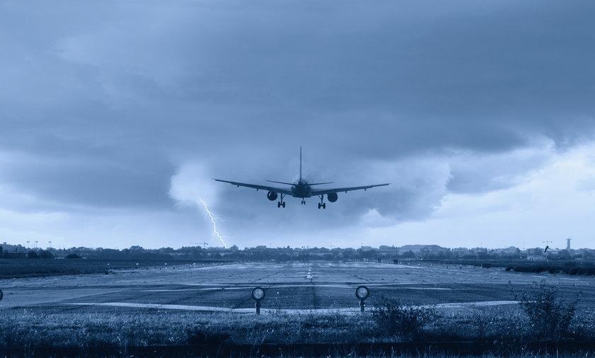 Na lotnisku O'Hare w Chicago zapłonął Boeing 767