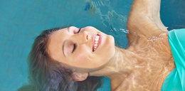 Jak dbać o włosy na basenie?