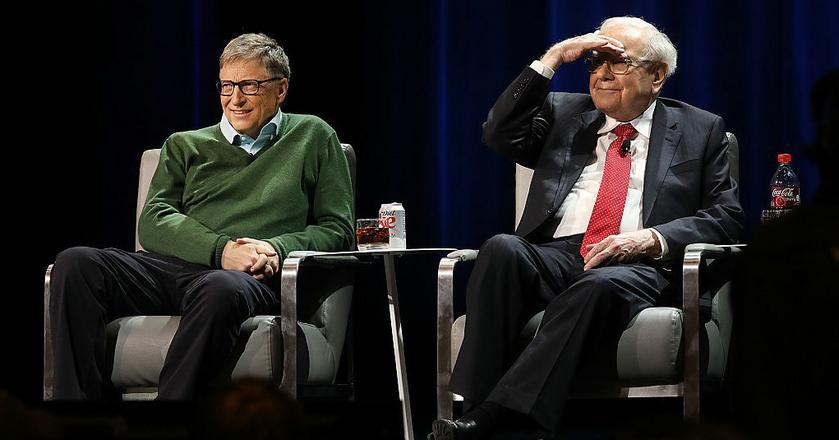 Bill Gates i Warren Buffett, który inspirował założyciela Microsoftu w biznesie