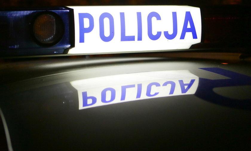 Uciekali po bójce, potrącili policjanta. Ciągnęli go kilkanaście metrów