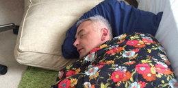 Poselska szopka. Dębski w Londynie śpi na podłodze