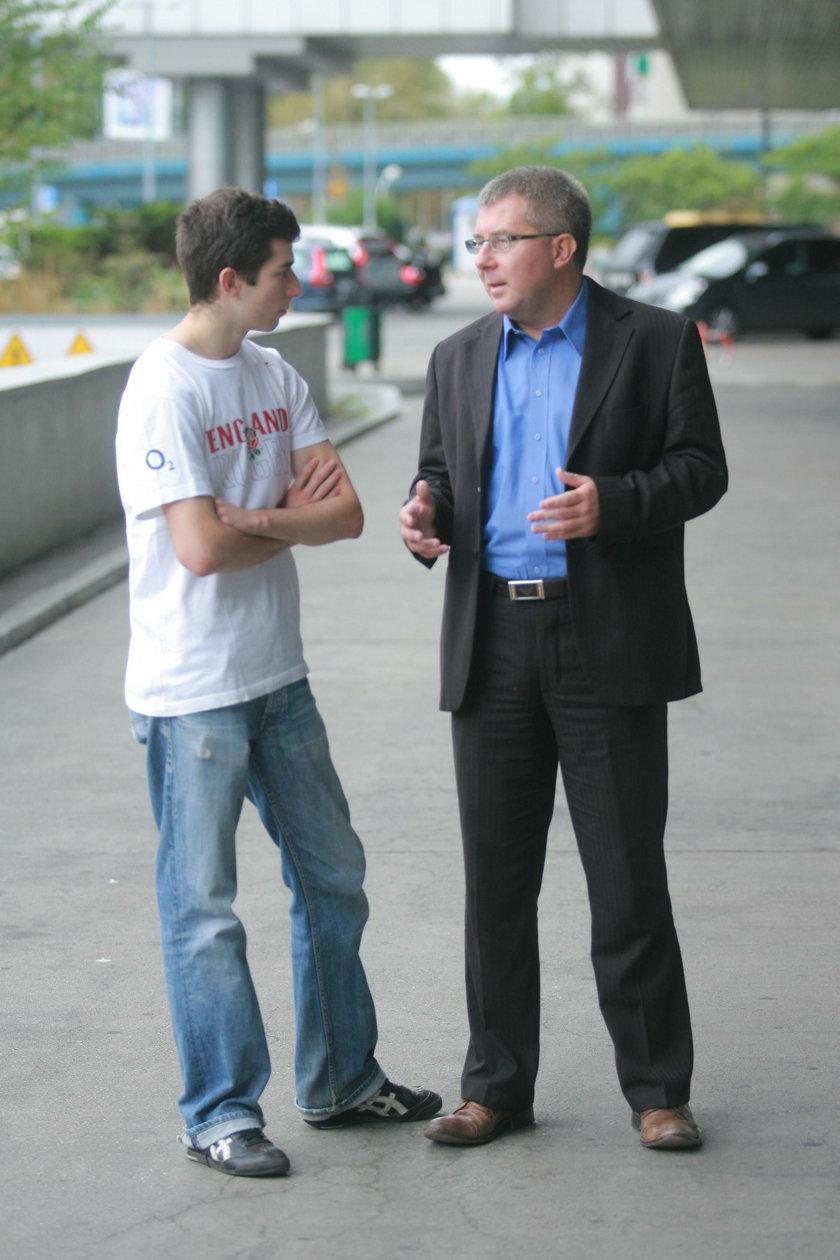 26-letni syn Czarneckiego też dostał fuchę. Ojciec tłumaczy