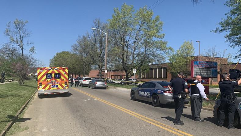 Strzelanina w szkole średniej w Knoxville