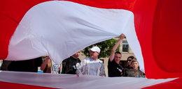 Gigantyczna flaga i strażackie atrakcje