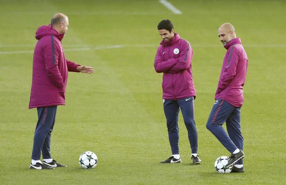 Mikel Arteta (u sredini) na treningu Sitija