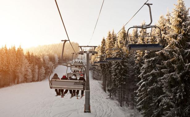 Stowarzyszeniu Polskie Stacje Narciarskie i Turystyczne zrzesza 90 stacji narciarskich