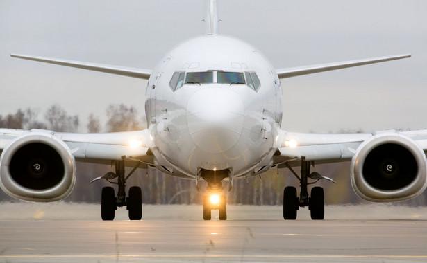 W sytuacjach gdy opóźnienie lotu następuje z przyczyn niezależnych od przewoźnika, jak np. złe warunki pogodowe czy strajki prawo do wypłaty rekompensat nie przysługuje