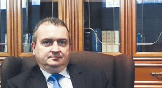 Janik: Spór o sens informacji prawnej