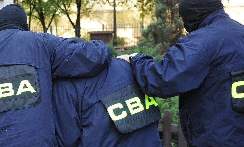Aresztowali esbeka za kościelne interesy