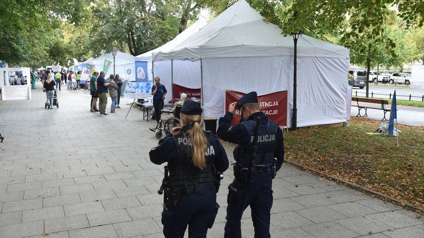 Warszawa. Strzał  w białym miasteczku. Nie żyje 94-latek