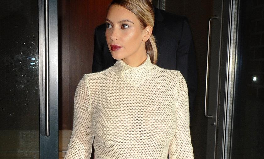 Kim Kardashian w obcisłej sukience