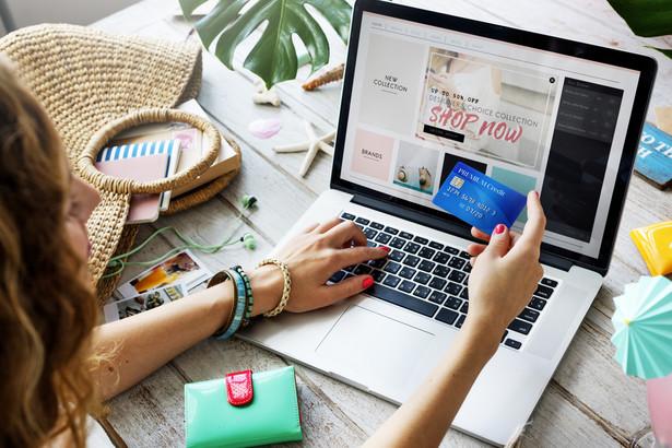 W ciągu ostatnich pięciu lat wskazywaliśmy na stopniowy proces digitalizacji, cyfrowe stały się również nasze codzienne zakupy