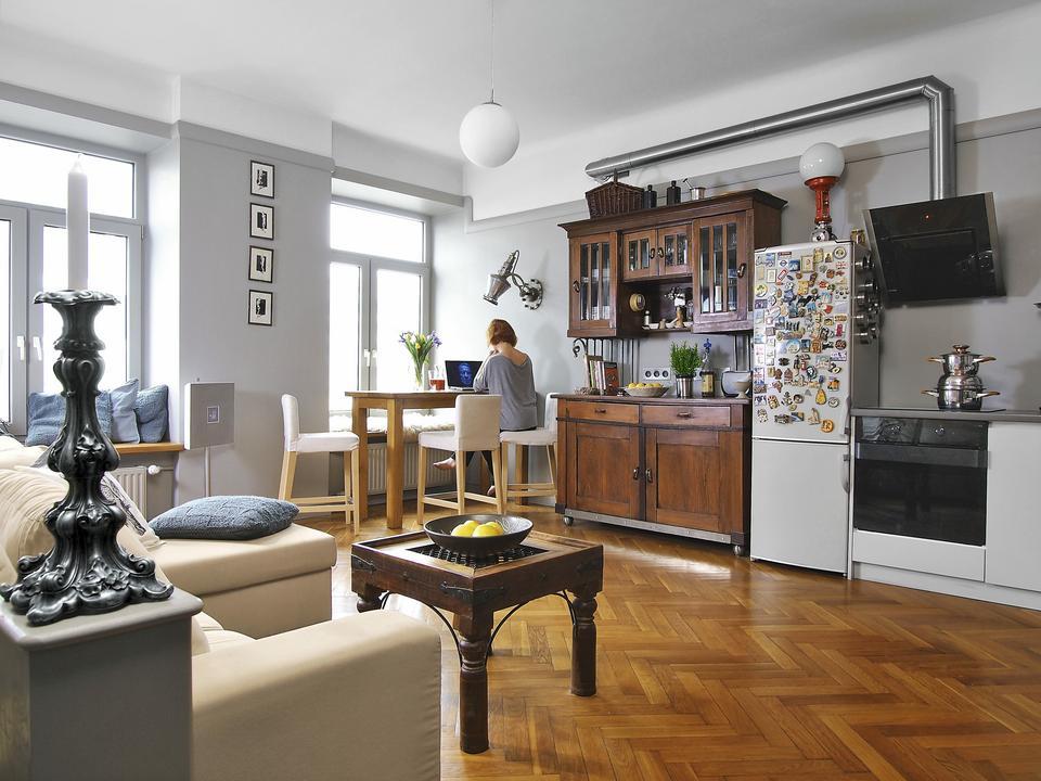 39-metrowe mieszkanie w warszawskim ostańcu. Ania i Wojtek zrobili z niego cudeńko