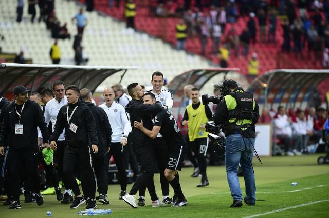 Fudbaleri Partizana slave pogodak