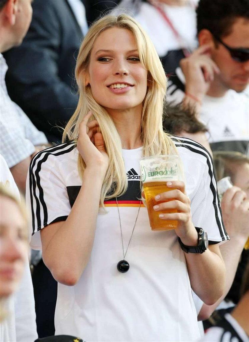 Zobacz najbrzydszą dziewczynę piłkarza