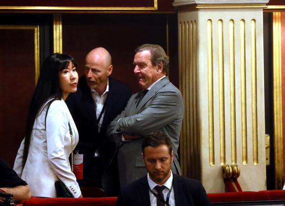 World Minds: Mark Valder i Gerhard Šreder uoči panela sa predsednikom Vučićem