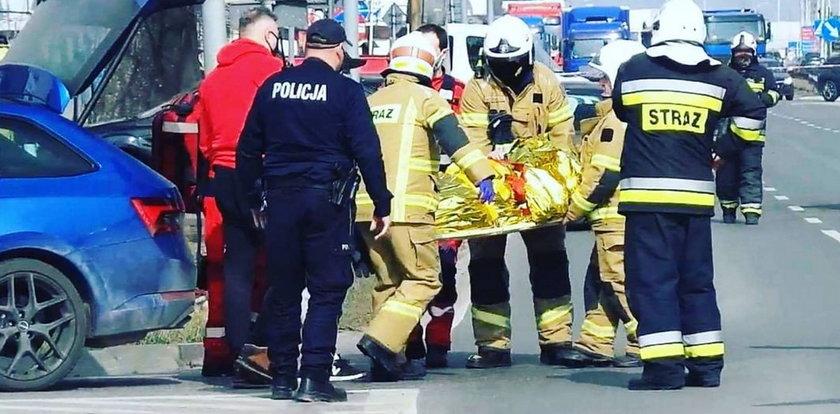 Dramat w polskiej służbie zdrowia. Wieźli seniorkę z udarem w bagażniku auta