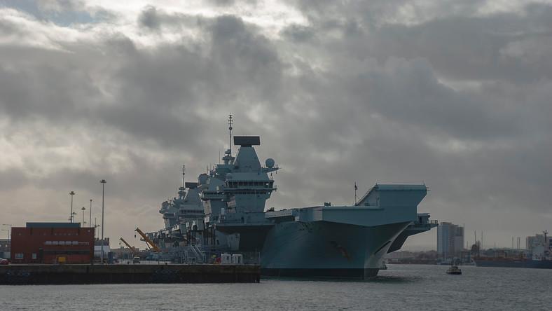 HMS Queen Elisabeth w Portsmouth