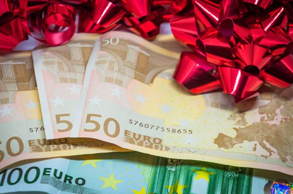 Prosečna mesečna bruto plata u Nemačkoj 2018. iznosila oko 2.950 evra