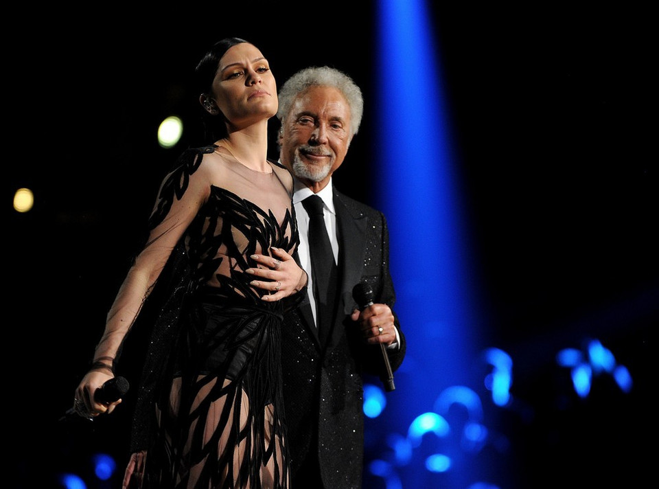 Jessie J i Tom Jones na Grammy 2015