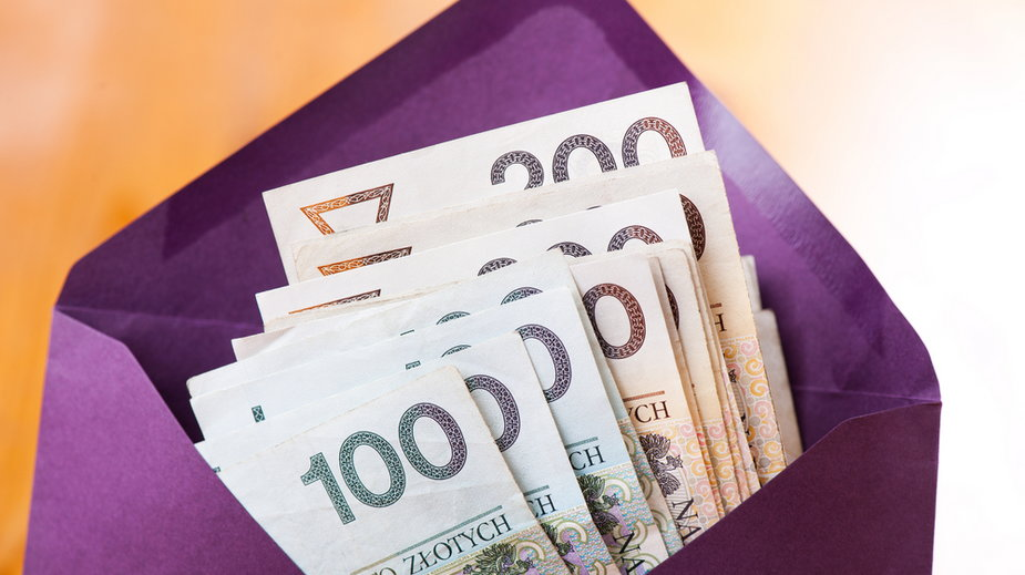 Komunia 2021. Ile pieniędzy należy dać do koperty? Jakie są średnie kwoty?