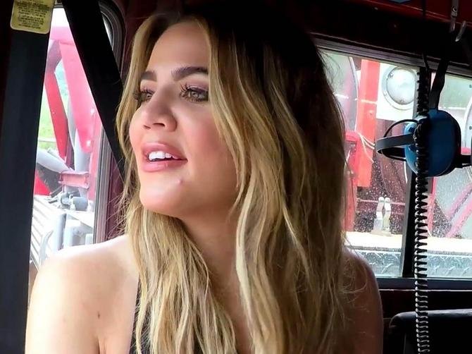 Kloi objavila selfi bez šminke: Govore joj da se potpuno UPROPASTILA!