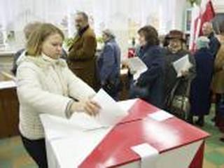 PKW: Prawie wszystkie lokale wyborcze otwarte o czasie; 385 incydentów zakłócania ciszy