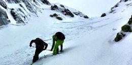 Niewidomy zjechał na nartach z Kasprowego. Zobacz wideo