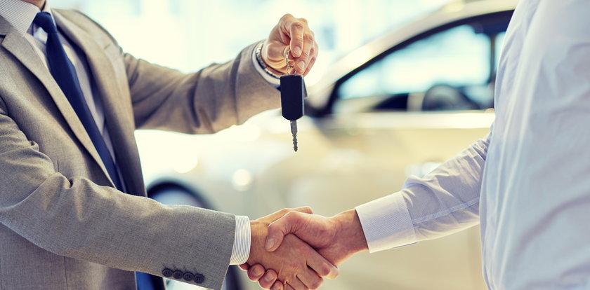 Wynajem auta dla firmy - jak dużo można oszczędzić?