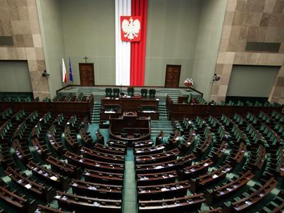 Nowela ustawy o finansach publicznych to kompilacja dwóch projektów - senackiego i rządowego