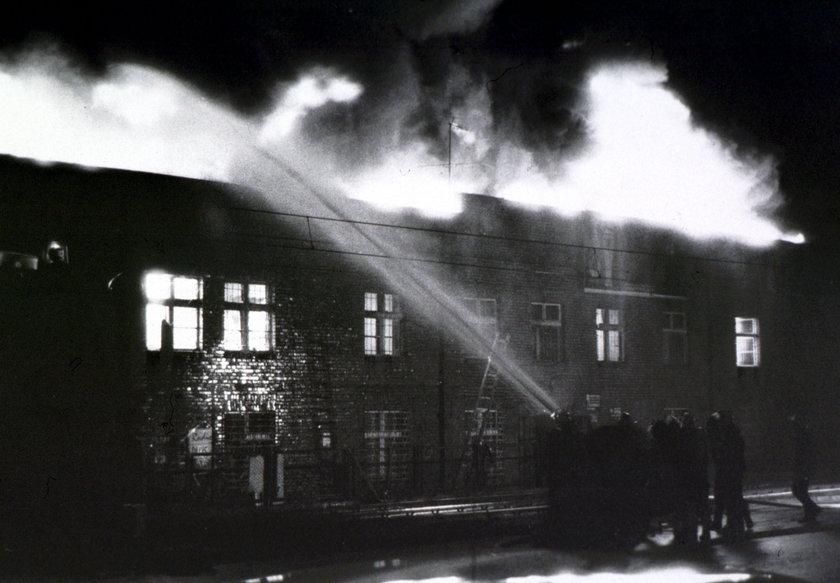 Pożar w hali Stoczni Gdańskiej
