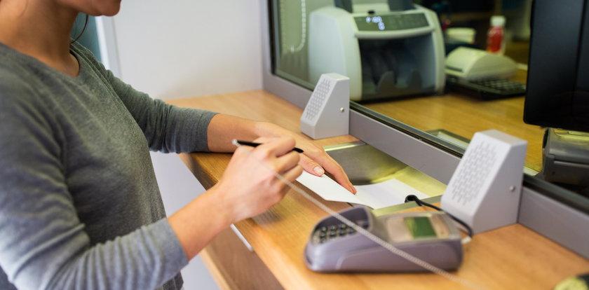 Banki odraczają raty! Ważne informacje dla każdego, kto chce skorzystać z oferty wakacji kredytowych