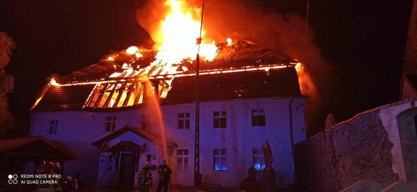 Pożar na plebanii - zdjęcia