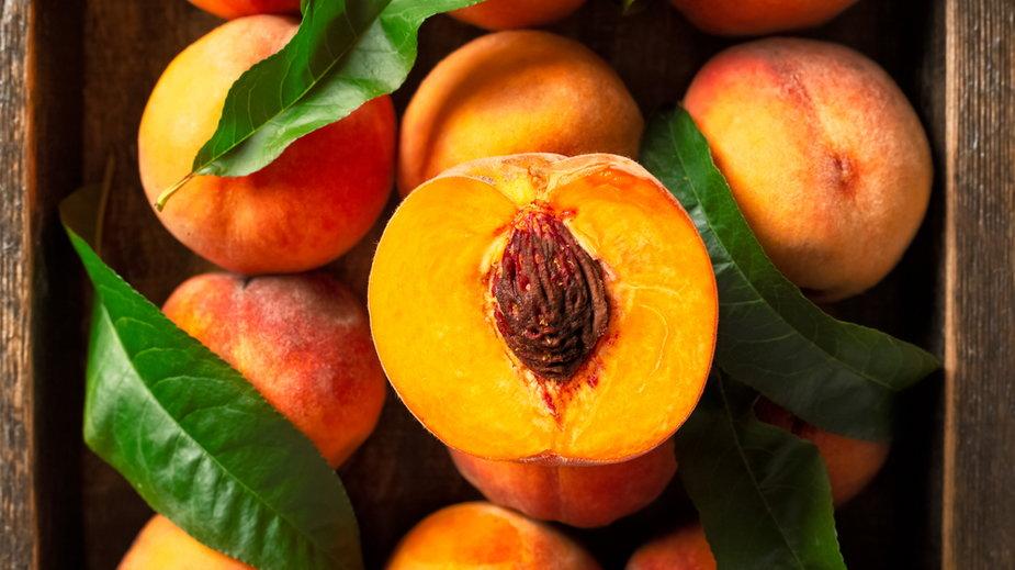 Brzoskwinie pomagają chronić naszą skórę przed szkodliwym działaniem promieni UV