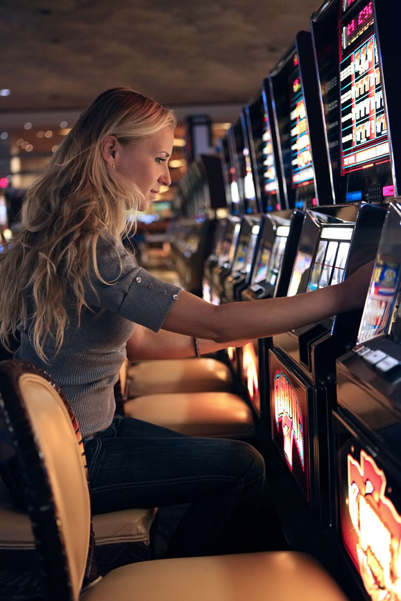 U Srbiji trenutno radi 81 priređivač igara na sreću na automatima, 25 kladionica i dva kazina