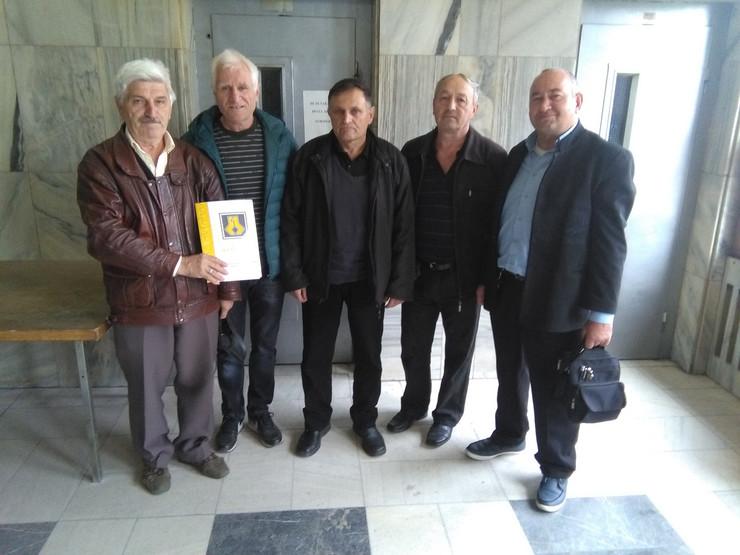 Krusevac01 bivsi radnici 14. oktobra ne mogu u penziju jer ih je drzava prevarila foto s. milenkovic