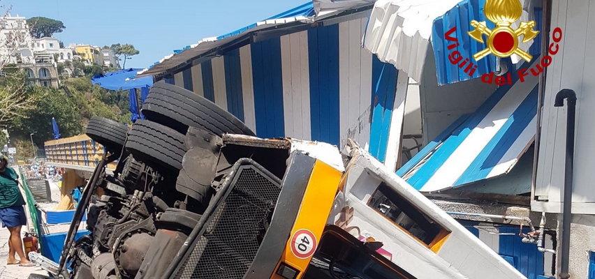 Tragiczny wypadek w wakacyjnym raju. Autobus spadł w przepaść