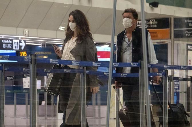 Lili i Dominik na aerodromu