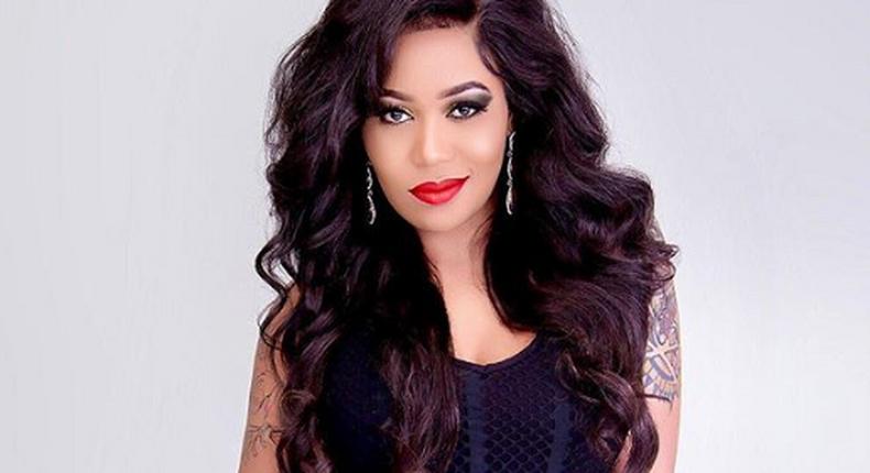 Enyewe ulikataa toothpick – fans tease Vera Sidika after posing with a gun