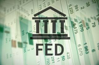 Fed: Gospodarka ma się dobrze mimo huraganów