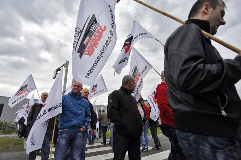 Protest i blokada drogi związkowców Fiata