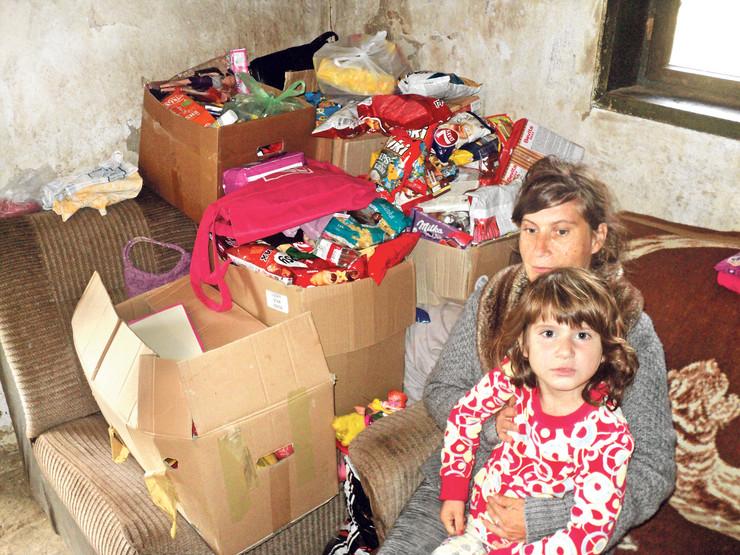 Paketi puni hrane, odeće, obuće i igračaka obradovale su tijanu i njenu mamu, ali one zaslužuju još bolji život