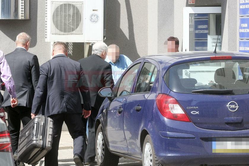 Jarosław Kaczyński wylądował w szpitalu przy ul. Szaserów