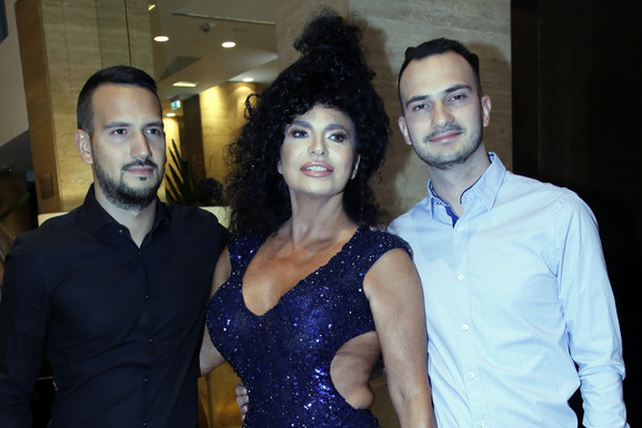 Lidija Vukićević sa sinovima