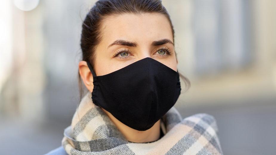 Czy maseczki skutecznie chronią przed koronawirusem? Uczeni nie mają wątpliwości