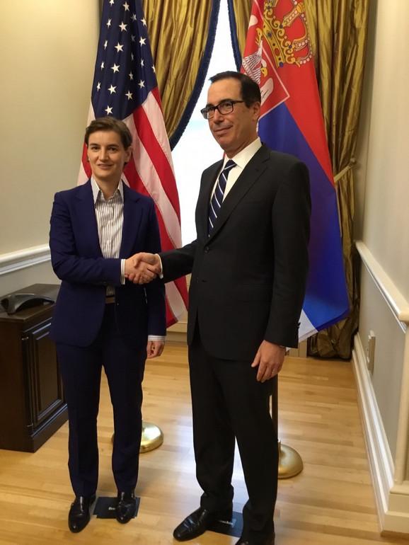 Predsednica Vlade Srbije, Ana Brnabić, u nastavku posete Vašingtonu, razgovarala je sa ministrom finansija Sjedinjenih Američkih Država (SAD) Stivenom Mnučinom