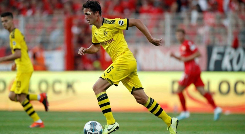 Delaney out as Dortmund host bottom side Paderborn